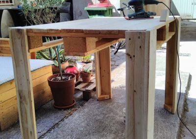 Ropotarnica - pohištvo - palete - miza