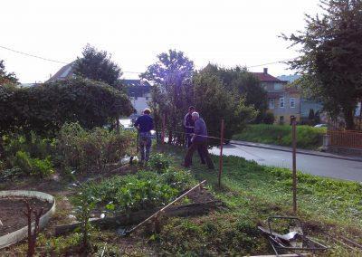 Ropotarnica - mestni vrt - ograja- postavljanje