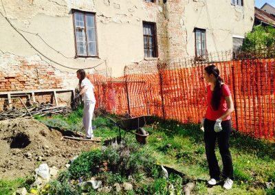 Ropotarnica - mestni vrt - samokolnica