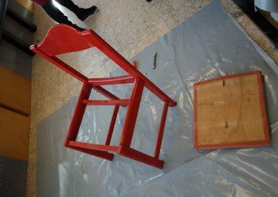 Ropotarnica - delavnica - Snaga - recikliranje - stol