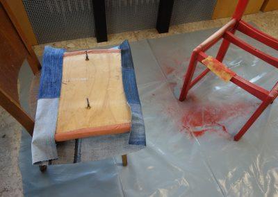 Ropotarnica - delavnica - Snaga - recikliranje - stol1