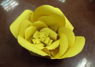 Ropotarnica - recikliranje - delavnica -papir - cvetje