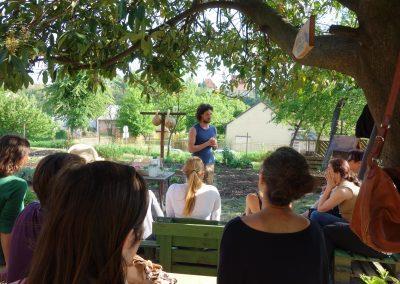 Ropotarnica - mestni vrt - dogodek - poslušalci