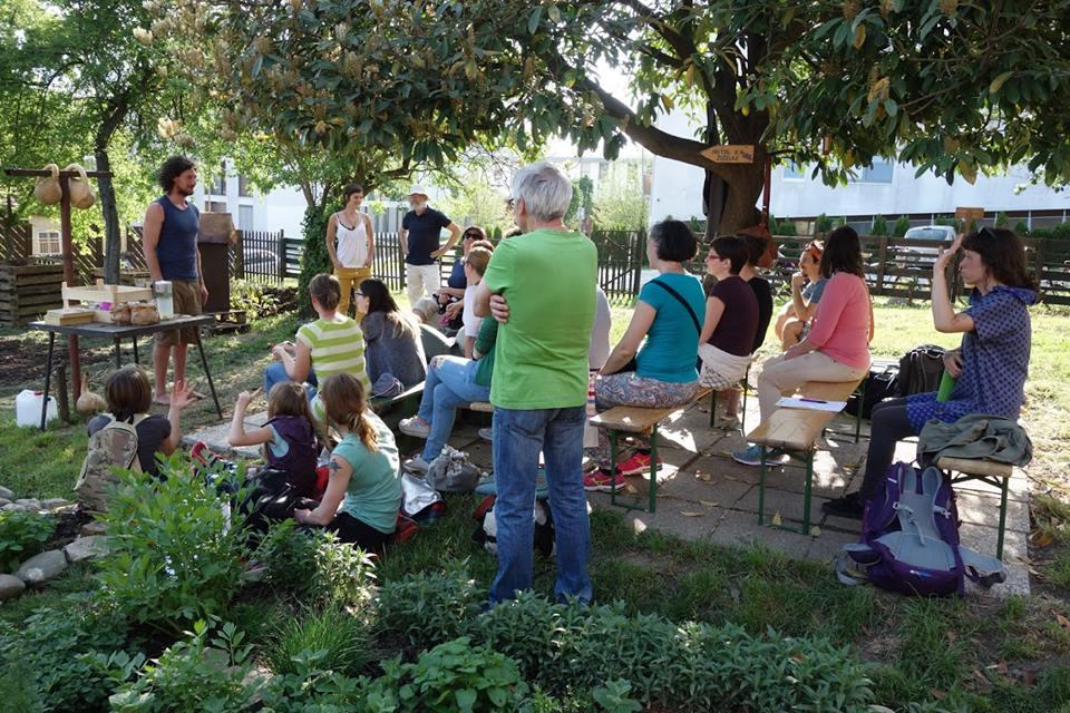Ropotarnica - mestni vrt - predavanje - zanimivo