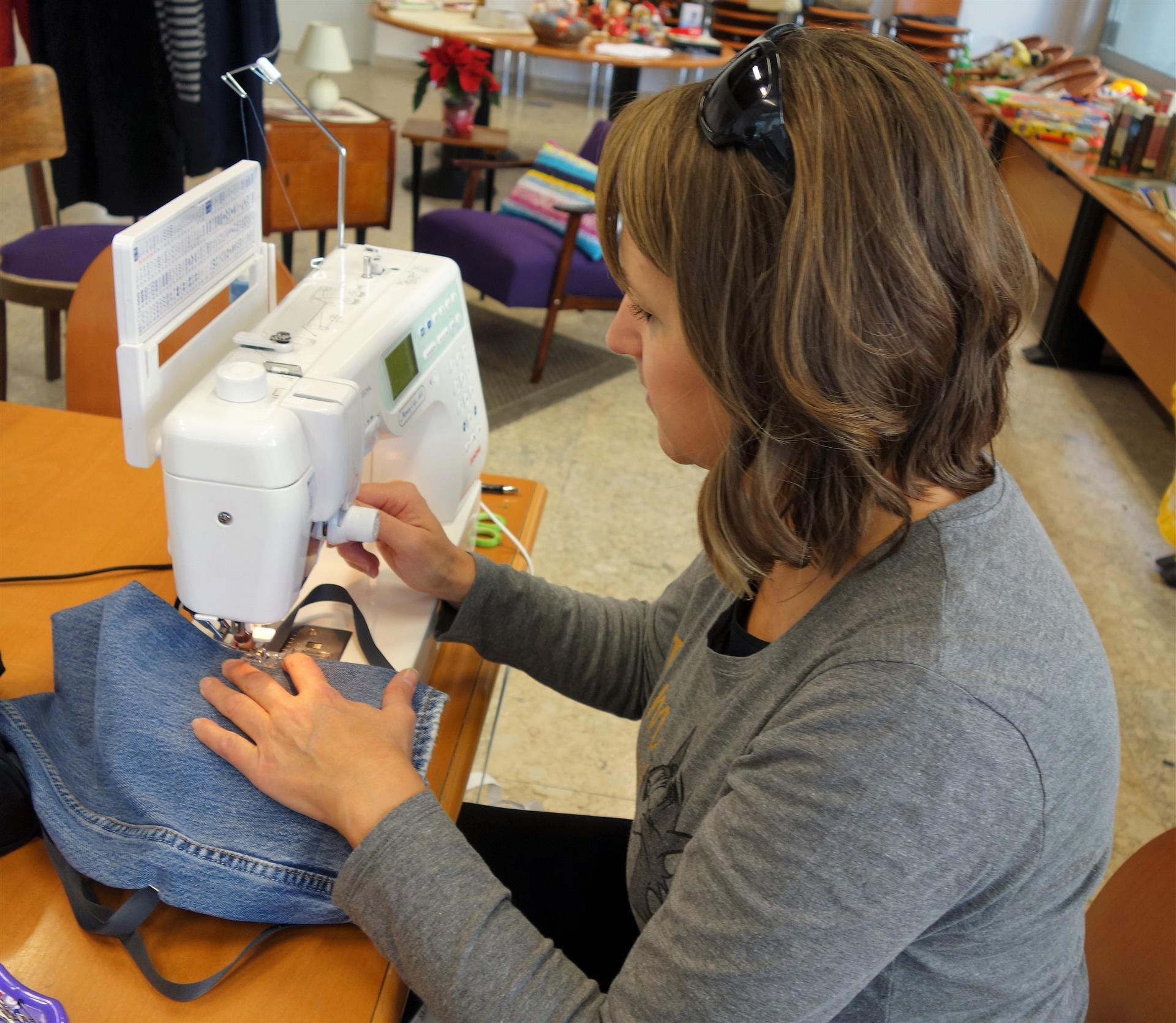 Ropotarnica - delavnica - Snaga - recikliranje - šivanje