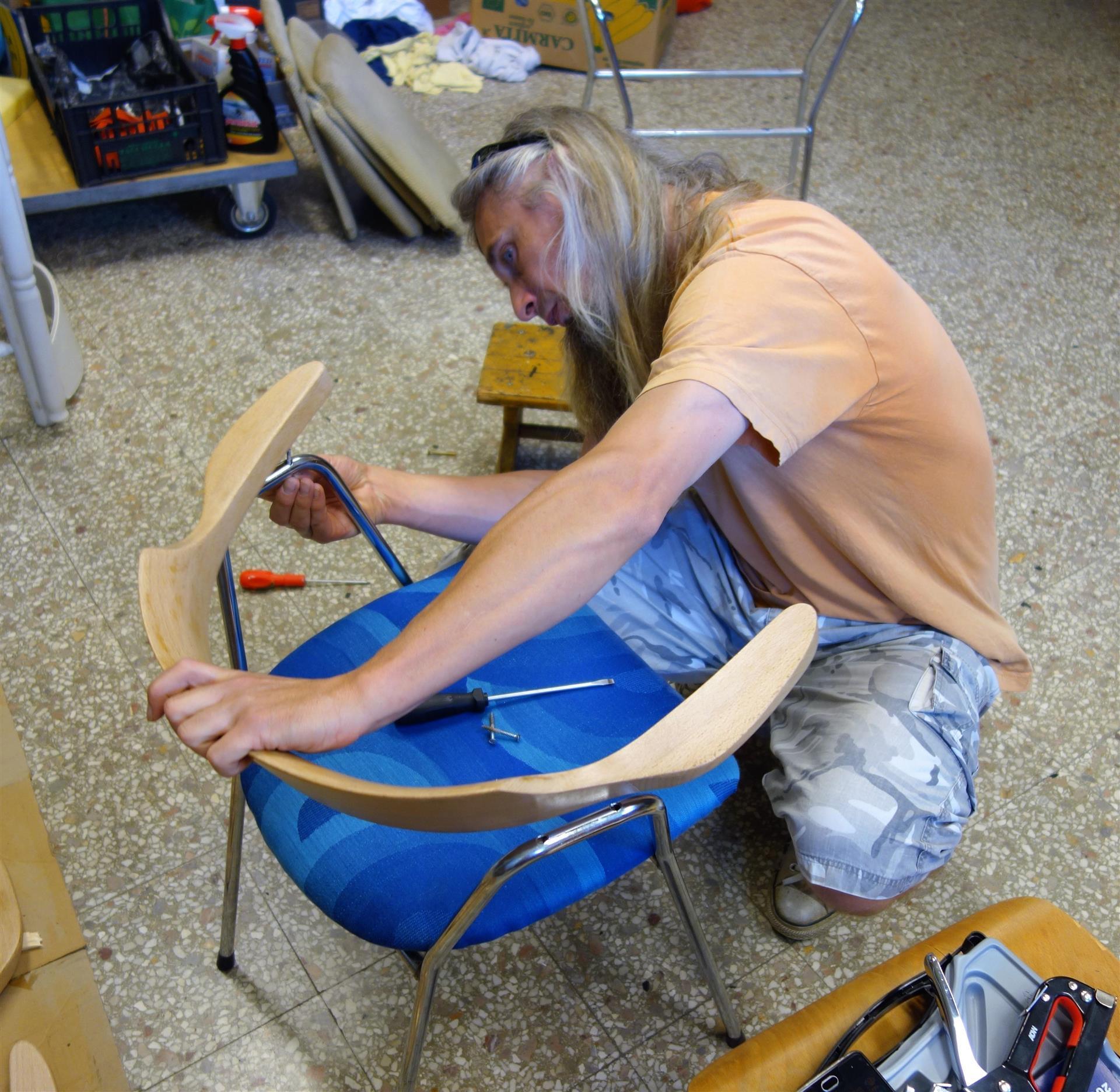 Ropotarnica - pohištvo - obnova - delo